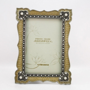 China Classical elegant stick diamond frame metal photo frame HQ10 on sale
