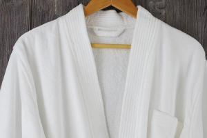 China 100% Cotton velour hotel bathrobe kimono collar on sale