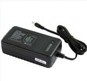 China 12V 24V 10A 20A Universal Lead Acid/Solar Automatic Car Battery Charger on sale