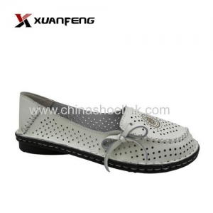China Women's Flat Shoes Classic Shoes Walking Everyday Wholesaler on sale