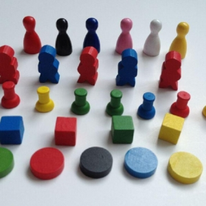 China Custom Wooden Board Game Pieces Game Pawns and Tokens on sale