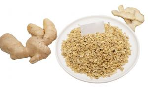China New Crop Air Dried Ginger Granules From Factory Ginger Manufacturer Made Dehydrated Ginger Flakes on sale