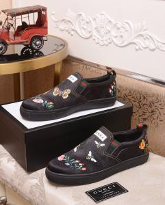 China Gucci 2019 New Men's British Wind Black Leather Lazy Shoes on sale