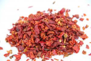 China 100% Natural Spices Dehydrated Red Bell Peppers New Crop ISO FDA Listed on sale