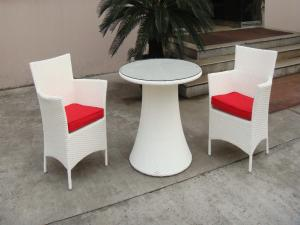China Hand-Woven Poly Rattan Garden Dining Sets With White Cushion on sale