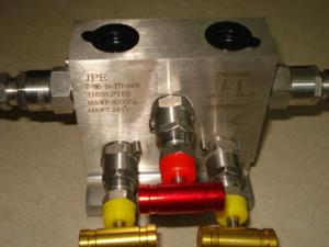 China Single Flang Five Manifolds Electric Valve Actuator For Natural Gas Station on sale