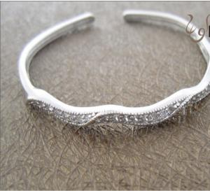 China Fashion Jewelry 925 Sterling Silver Bangle with Zircon W-SB004 on sale