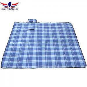 China Polar Fleece Plaid Outdoor Picnic Blanket with Sandproof Barrier and 3 Layers Padding on sale