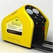 China CM2000 Portable Refrigerants Recovery/Recharging Machine on sale