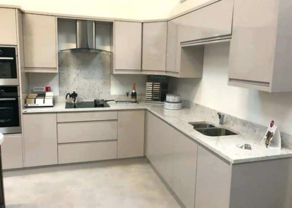 Kitchen Natural Quartz Countertops