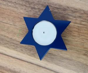 China 3.8x1.5cm 10gram  paraffin white unscented  tealight candle with blue holder on sale