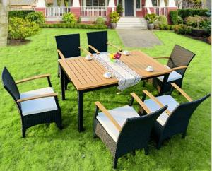 China Hot poly rattan garden table and chair furniture sets on sale