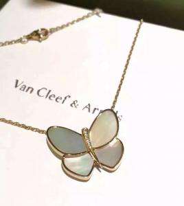 China Butterfly Pendant Necklace 18K Yellow Gold , Van Cleef Butterfly Necklace on sale