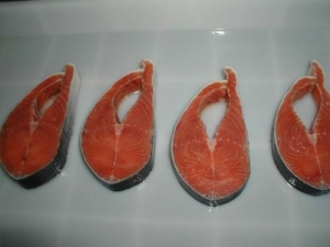 China Frozen Salmon Fish  Salmon Portion with Skin wholesale