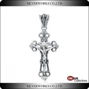 China Jesus' Crucifixion Cross Silver Pendant For Men Antique silver Cross Charms on sale