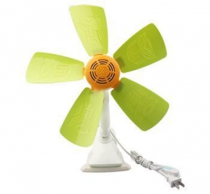 China Customized logo OEM free samples home appliance 5 bladed clip desk low power consumption fan on sale