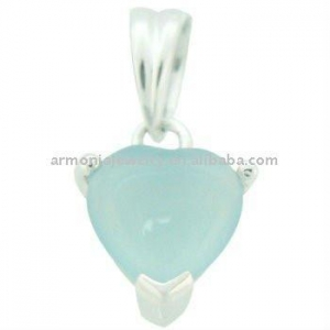 China Latest Fashion 925 Sterling Silver Heart Shaped Opal Pendant on sale