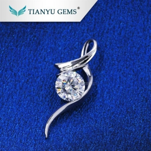 China 14K Gold 1 Carat White Round Billiant Cut Moissanite Diamond Pendants Charms for Necklaces Jewellery on sale