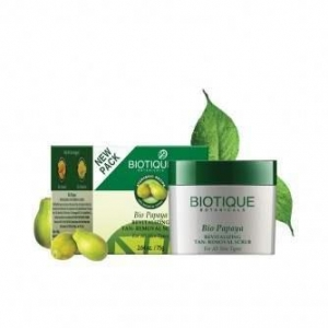 China Biotique Bio Papaya Revitalizing Tan-Removal Scrub for All Skin Types on sale