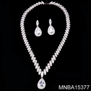 China Rhodium White Gold Plated Copper Silver Color With Cubic Zirconia Zircon Necklace Jewelry on sale